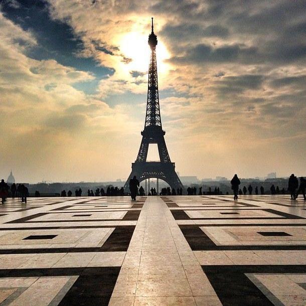 eiffel-tower-paris-place-tour-eiffel-Favim.com-2796299