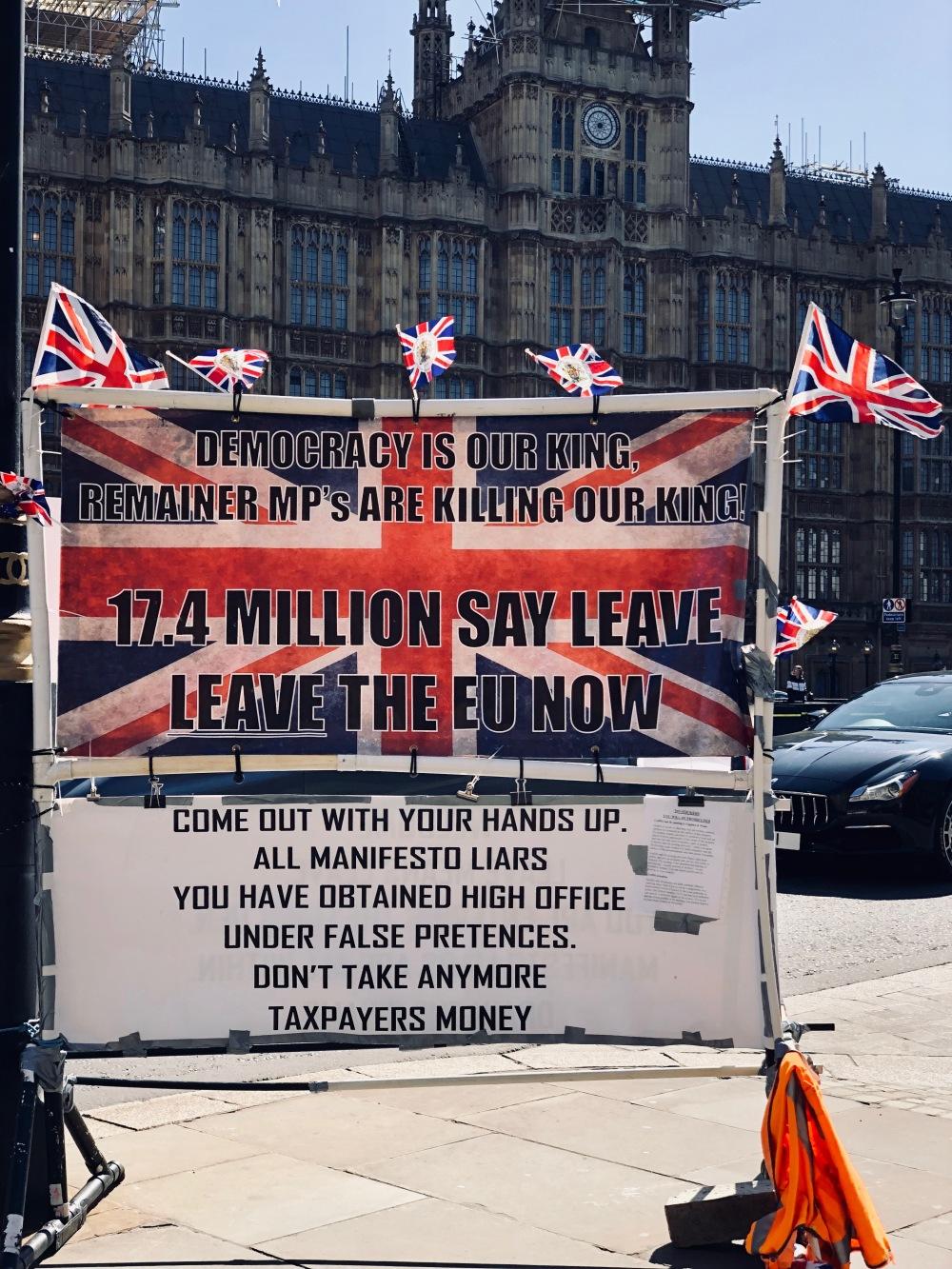 Manifesti Brexit a Londra