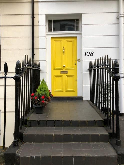 porta gialla a Londra